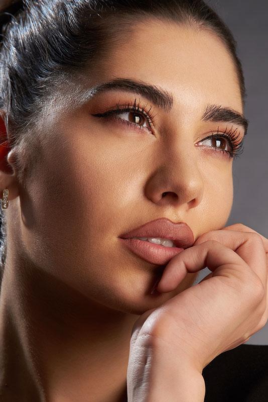 close-up femeie tanara