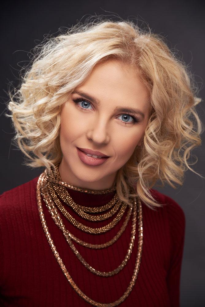 close-up femeie blonda
