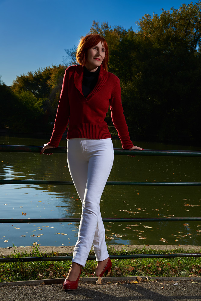 Portret de femeie in parc
