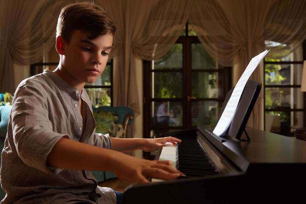 baiat la pian