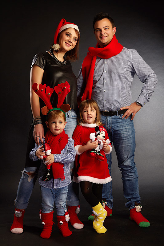 familie cu tema de craciun la sedinta foto