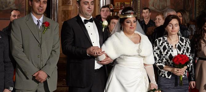 Ochi inchisi in fotografia de nunta