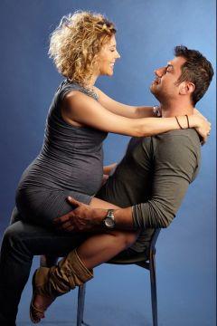 barbatul pe scaun gravida pe sot