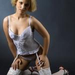 model in genunchi