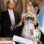 privire divergenta la nunta in biserica