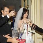 nunta este primita cu sampanie