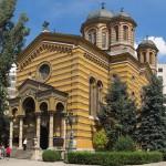 panorama din bucati a bisericii