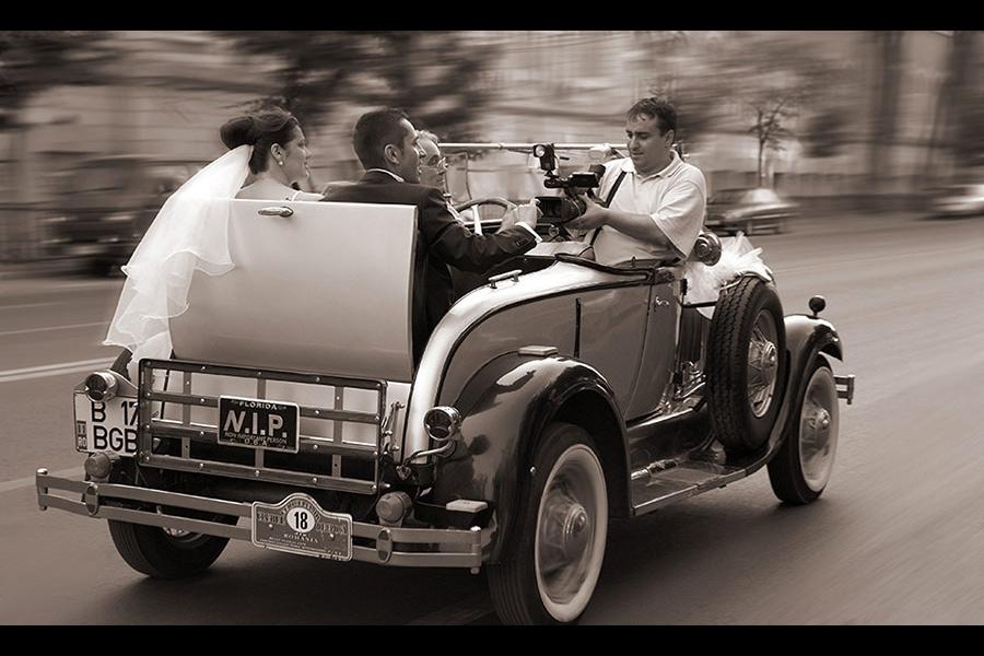 Nunta in masina de epoca